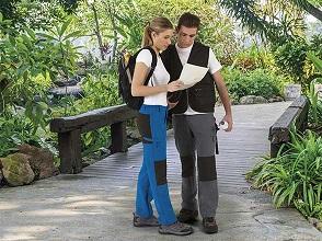 Kalhoty, bermudy a šortky
