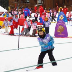 Reklamní lyžařské potahy na helmy