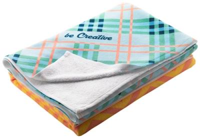 Oboustranný ručník se sublimačním potiskem na jedné straně.
